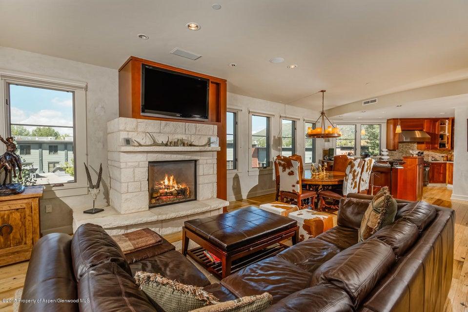 101 Spring Street,Aspen,Colorado 81611,3 Bedrooms Bedrooms,3 BathroomsBathrooms,Residential Rentals,Spring,141086