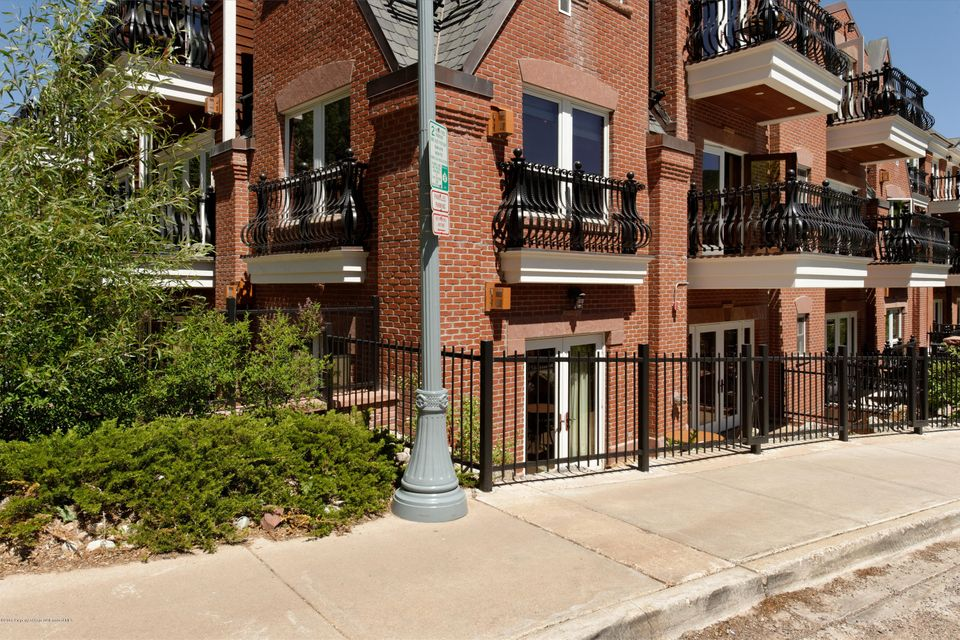 415 E Dean Street, Unit 44 B, - Central Core, Colorado