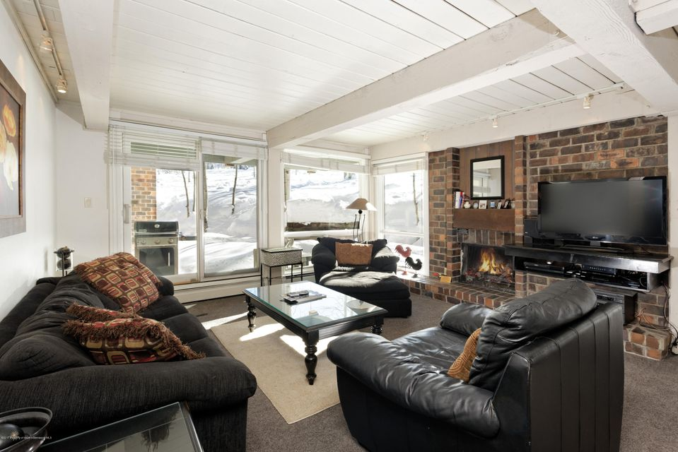 855 Carriage Way Slope Unit 209, Snowmass Village, CO 81615
