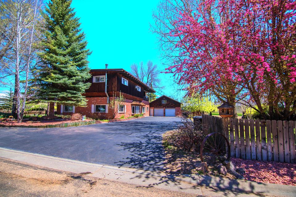 547 3RD AVE W, Craig, CO 81625