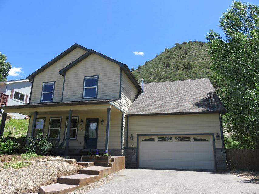 633 E 1st Street, New Castle, CO 81647