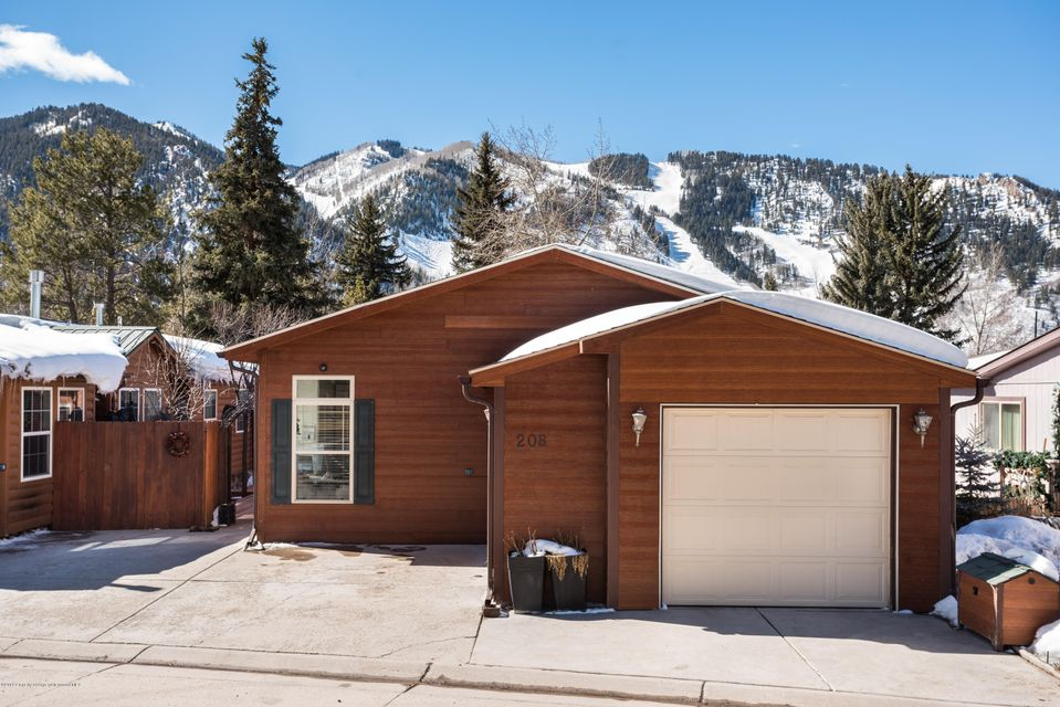 208 Cottonwood Lane - Smuggler, Colorado