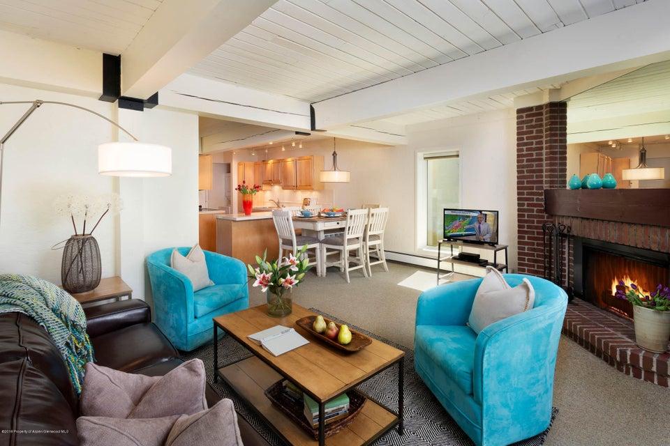 70 Gallun Lane,Snowmass Village,Colorado 81615,2 Bedrooms Bedrooms,2 BathroomsBathrooms,Residential Sale,Gallun,155264