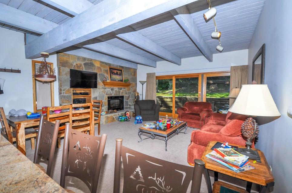 690 Carriage Way Snowmass Village,Colorado 81615,2 Bedrooms Bedrooms,2 BathroomsBathrooms,Residential Sale,Carriage Way,155262