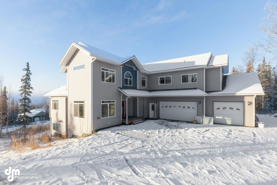 18739 Roseberry Park Dr, Eagle River, AK 99577