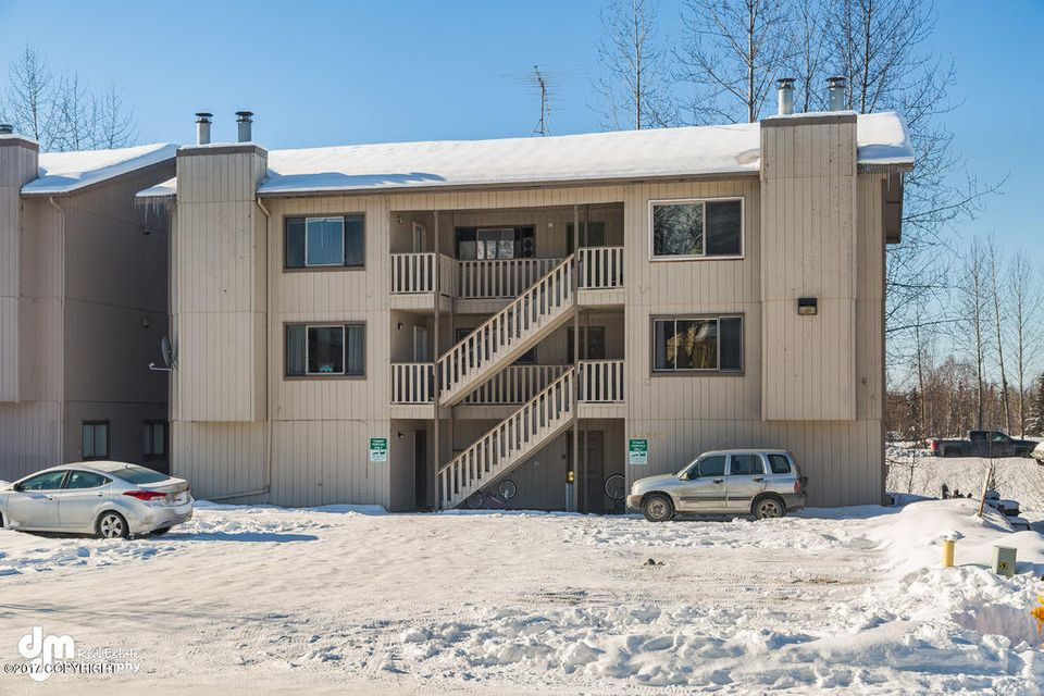 11508 Heritage Ct, Eagle River, AK 99577