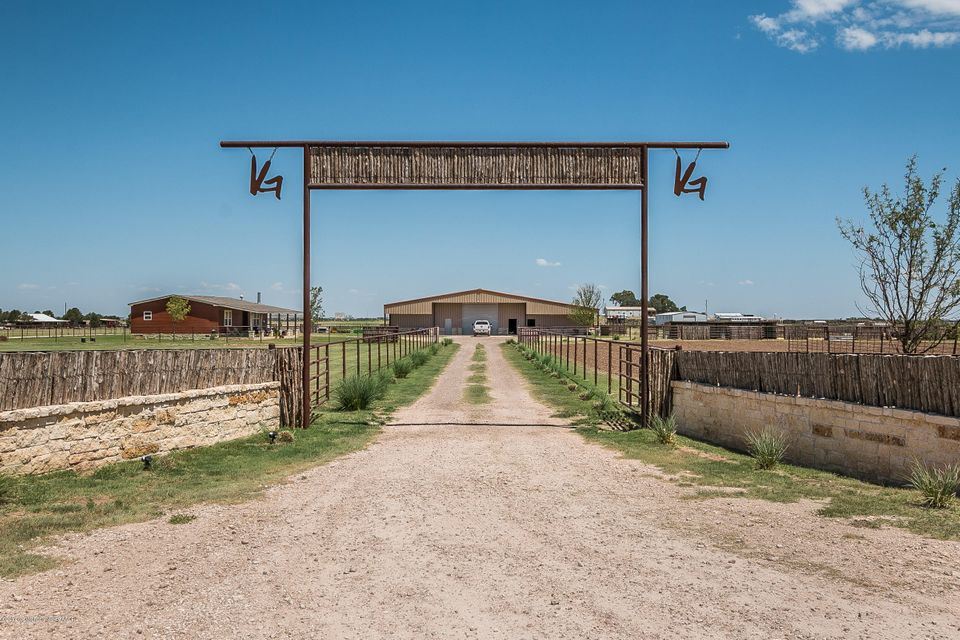 Photo of home for sale at 9210 Cemetery Rd, Canyon TX