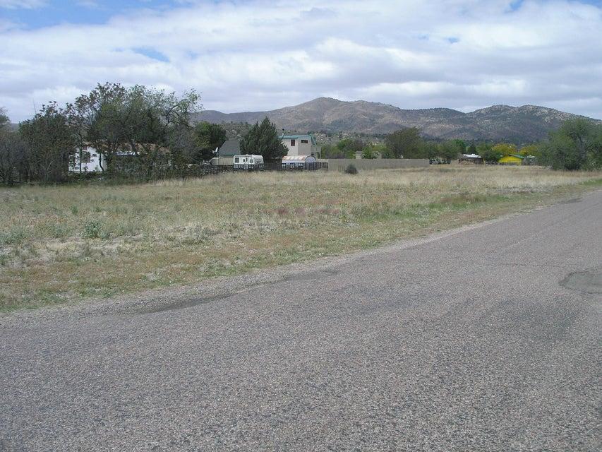 16551 W UNKNOWN INDIAN Avenue Lot 116, Peeples Valley, AZ 86332