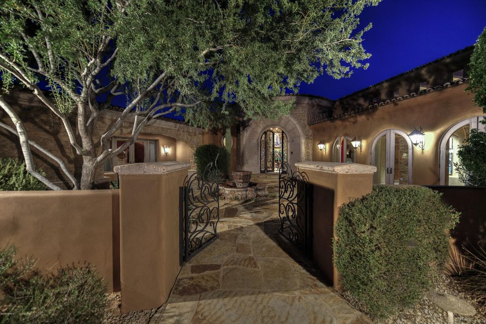7426 E Sonoran Trail