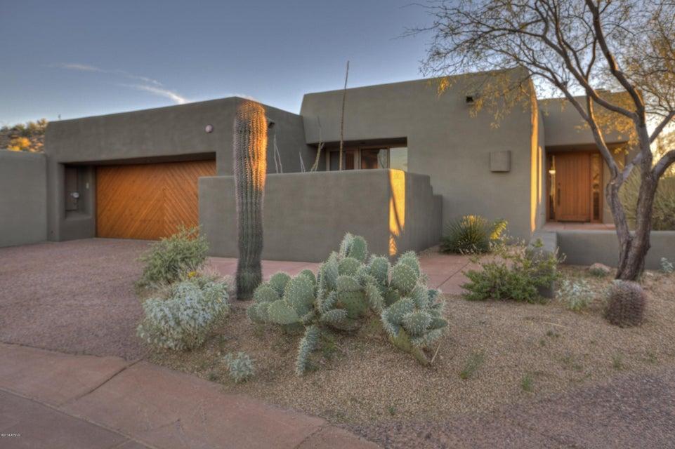Photo of 9821 E GRAYTHORN Drive, Scottsdale, AZ 85262