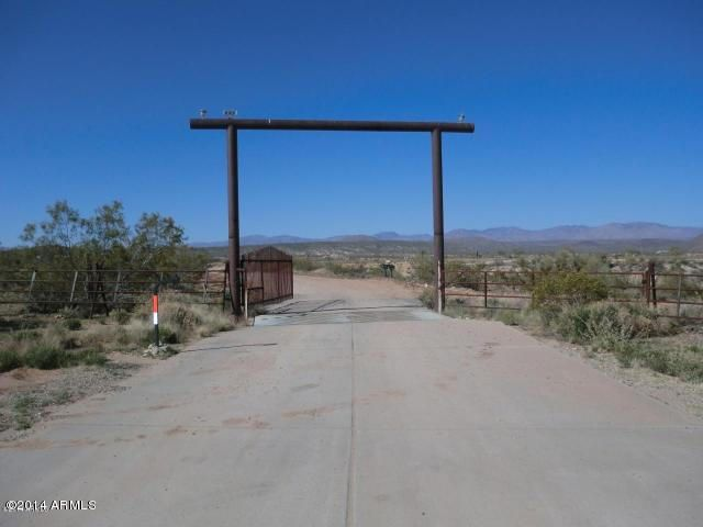 N GRANTHAM RANCH Road, Wickenburg, AZ 85390