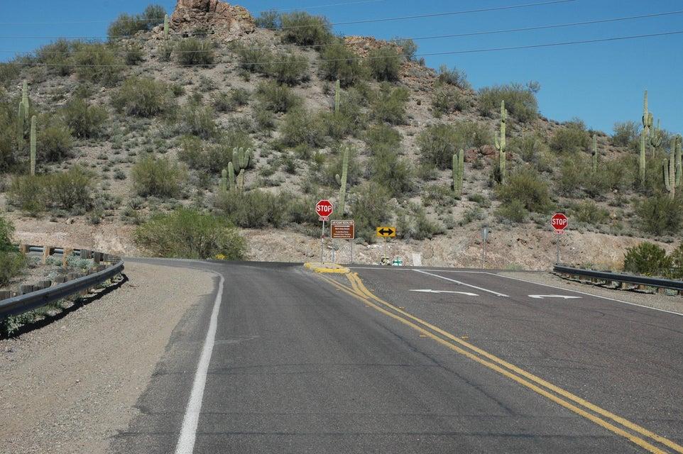 000 N Castle Hot Springs Road Lot 1, Morristown, AZ 85342