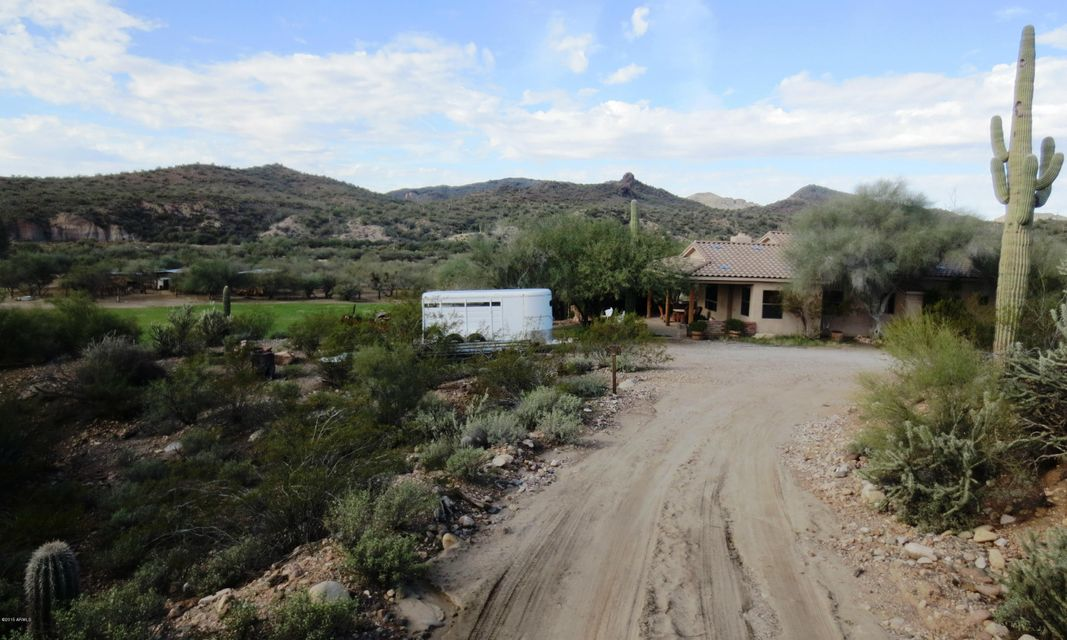27706 W MCCARROLL Road, Wickenburg, AZ 85358