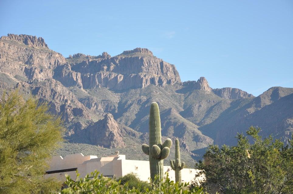 W 4th Avenue, Apache Junction, AZ 85119