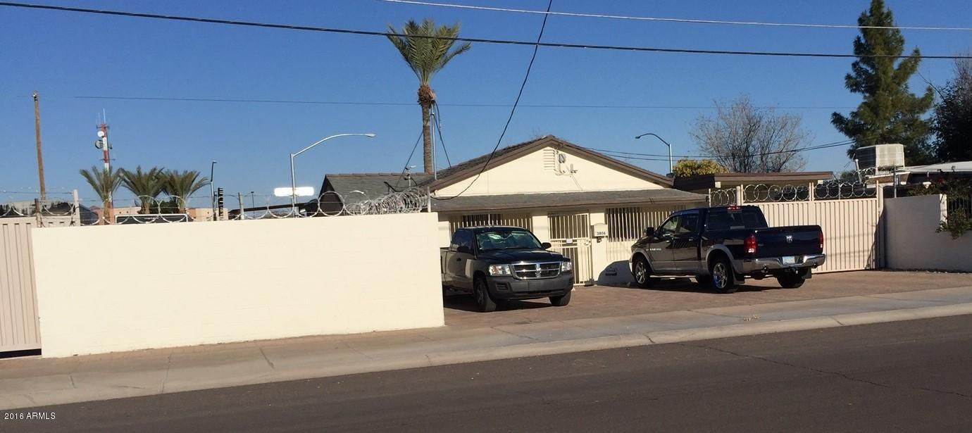 5806 W MARKET Street, Glendale, AZ 85301