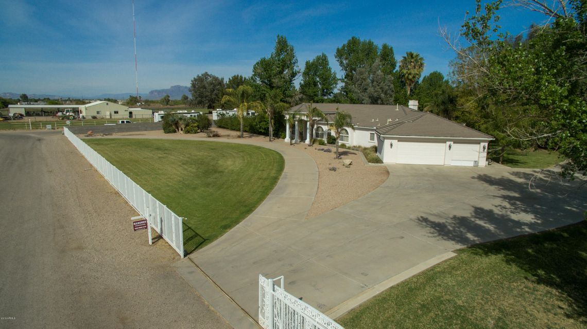 MLS 5416547 39899 N CREEKSIDE Road, San Tan Valley, AZ 85140 San Tan Valley AZ Single-Story