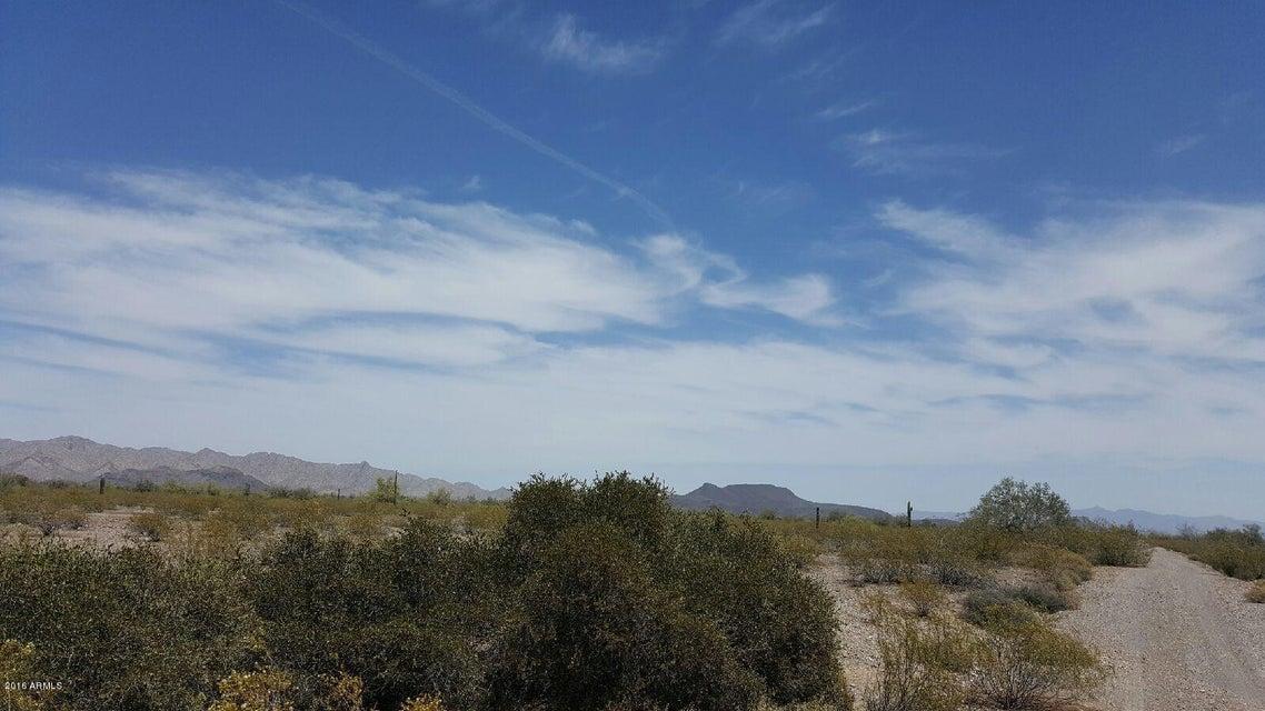 W Olive Avenue, Tonopah, AZ 85354