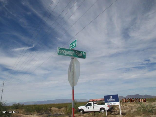 51313 N FORE PAUGH PEAK Road, Wickenburg, AZ 85390