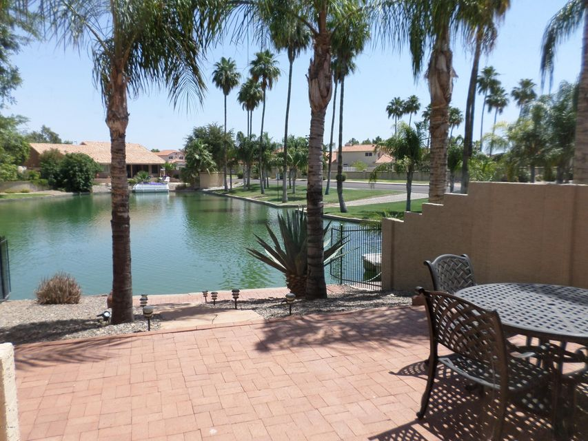 606 S CROWS NEST Drive, Gilbert, AZ 85233