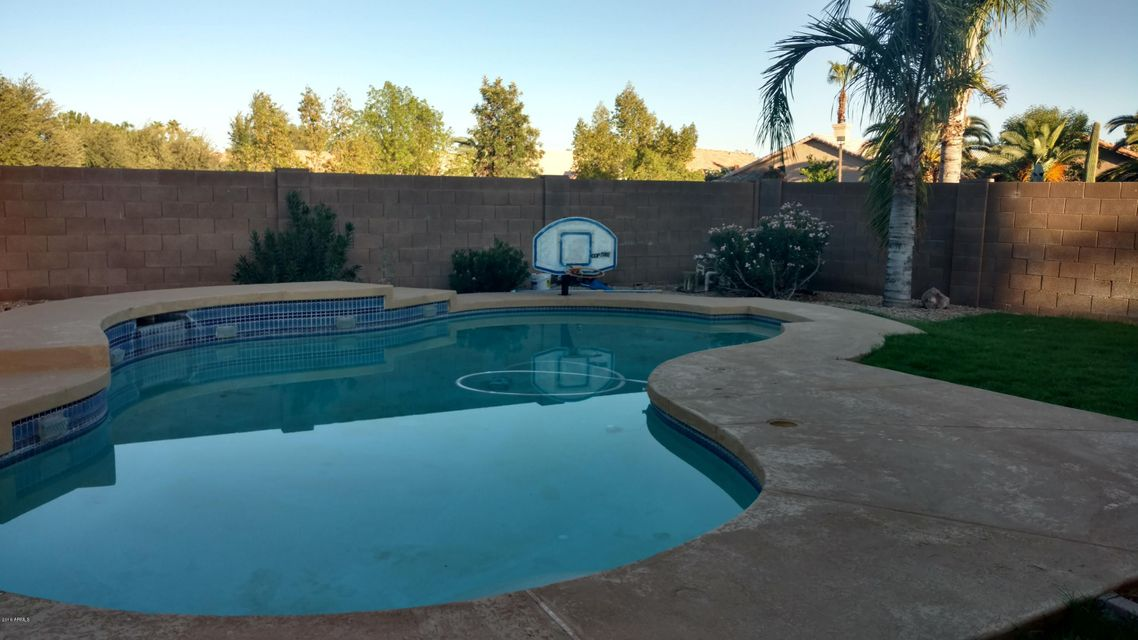 4 bedrooms homes with pool for sale gilbert az under 300 000 for 4 bedroom houses for sale in phoenix az