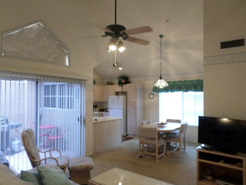 1633 E LAKESIDE Drive 187, Gilbert, AZ 85234
