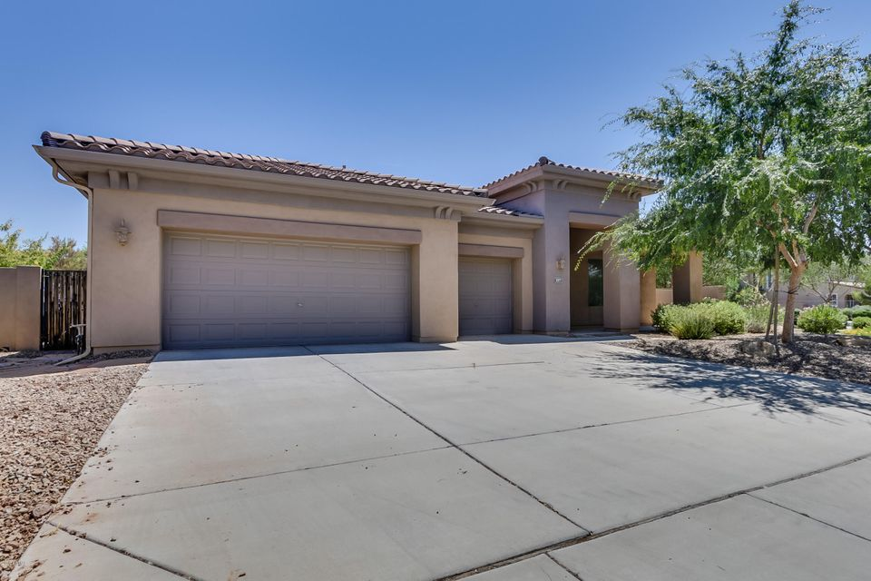 1077 W Horseshoe Avenue Gilbert Az 85233 Us Phoenix Real Estate Specialists Home For Sale