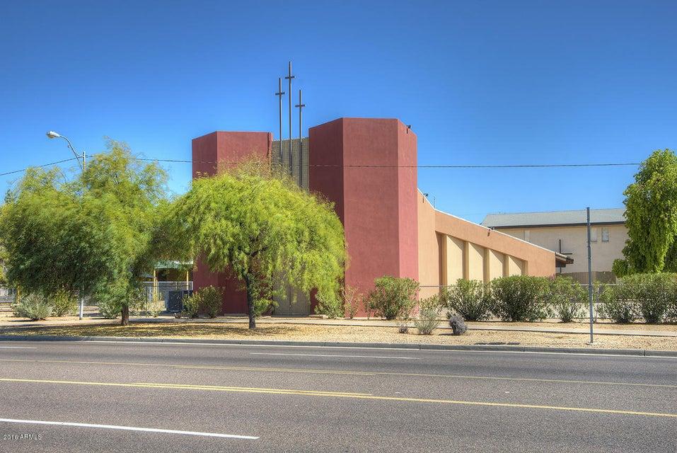 2929 W GREENWAY Road W, Phoenix, AZ 85053