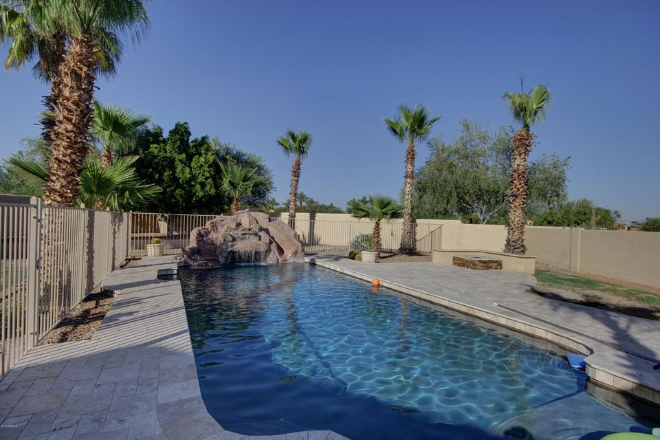 2762 E WINDMERE Drive, Phoenix, AZ 85048