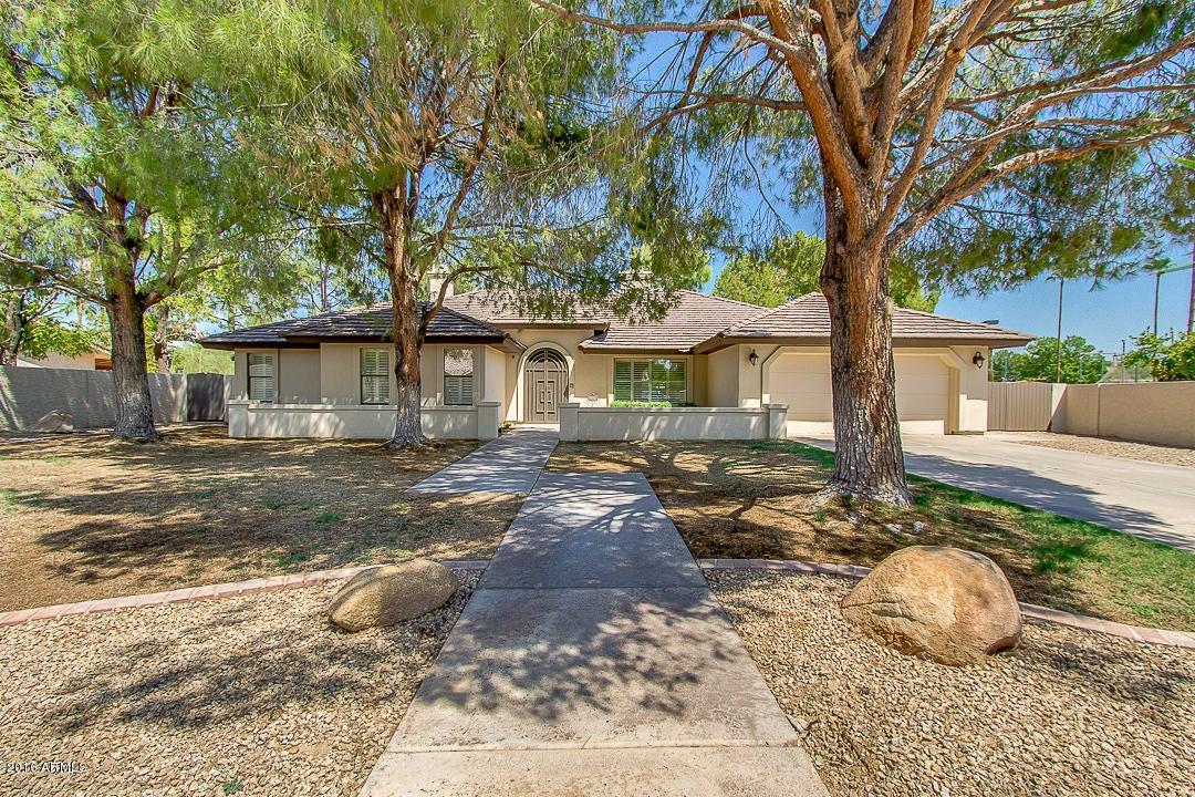 8115 S COLLEGE Avenue, Tempe AZ 85284