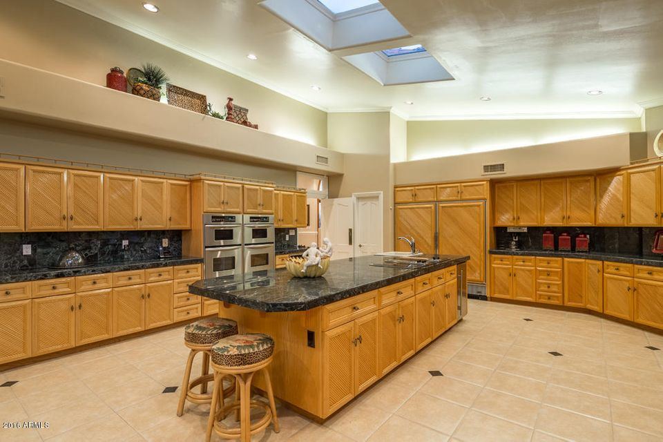 Additional photo for property listing at 6000 E Huntress Drive  Paradise Valley, Arizona,85253 United States