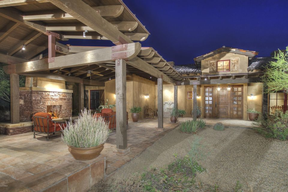 7899 E Whisper Rock Trail
