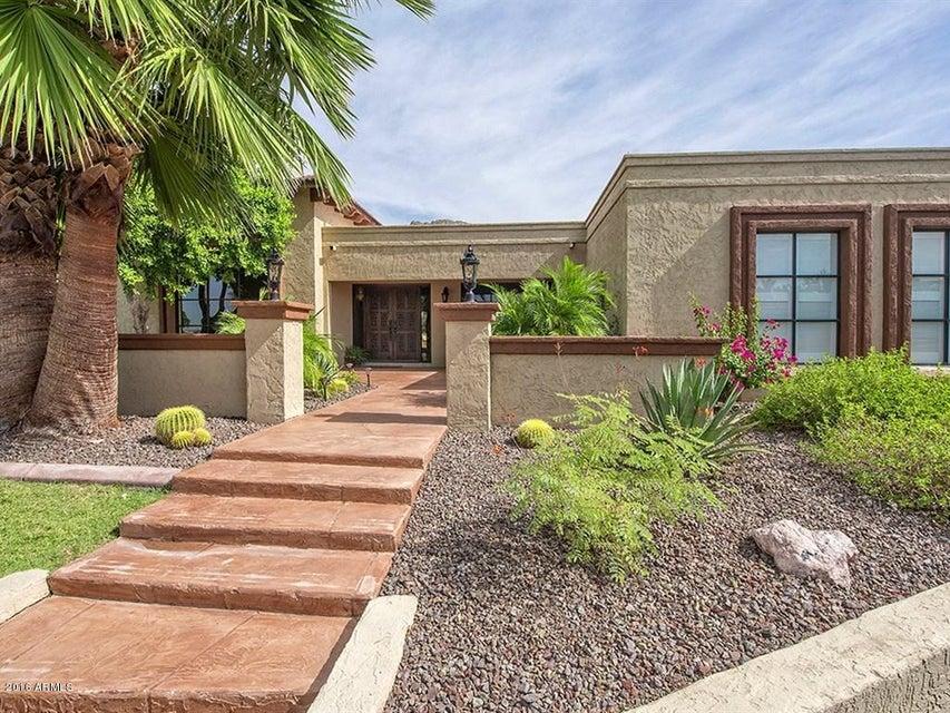 5526 E CAMELHILL Road, Phoenix AZ 85018