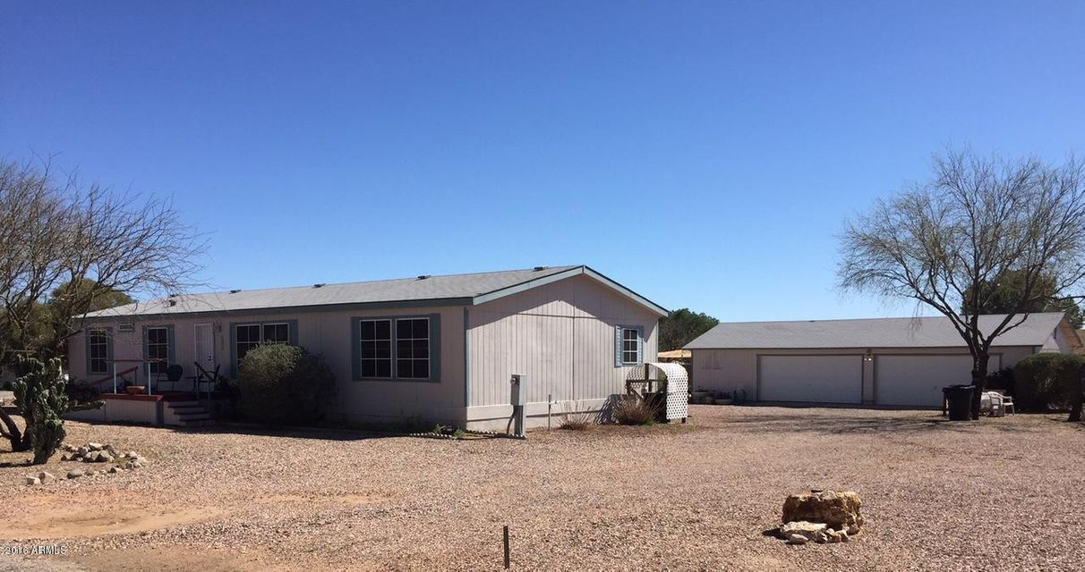 23723 W Cannon Drive, Congress, AZ 85332