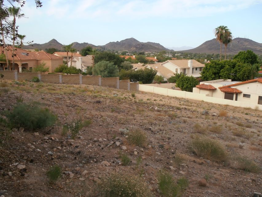 1111 E COUNTRY GABLES Drive Lot 105, Phoenix, AZ 85022