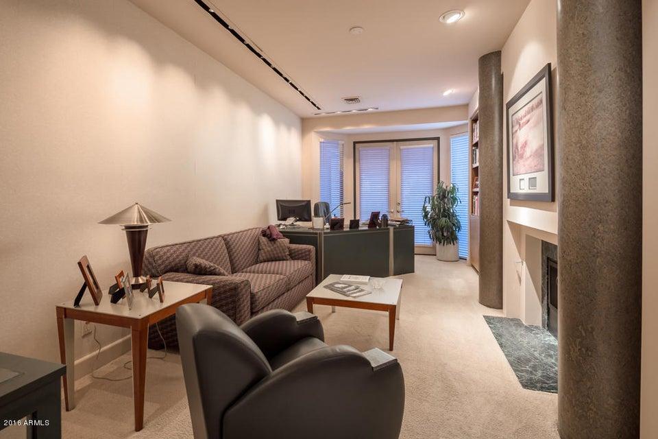 Additional photo for property listing at 70 Biltmore Estate  Phoenix, Arizona,85016 United States