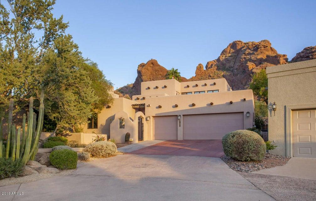 Single Family Home for Sale at 5984 N Echo Canyon Drive Phoenix, Arizona,85018 United States
