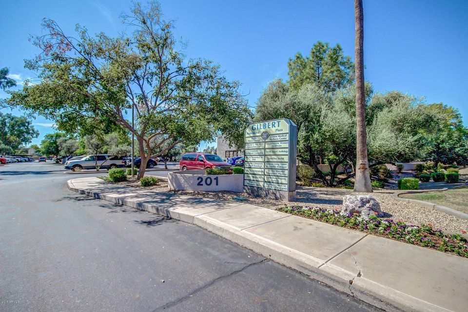 Photo of 201 W GUADALUPE Road, Gilbert, AZ 85233