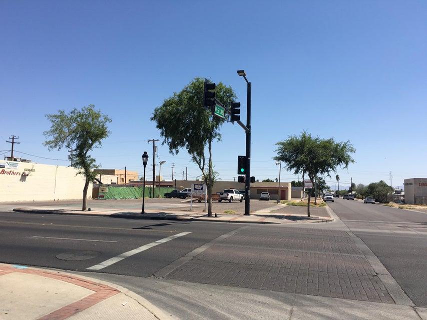 5549 W Glendale Avenue, Glendale, AZ 85301