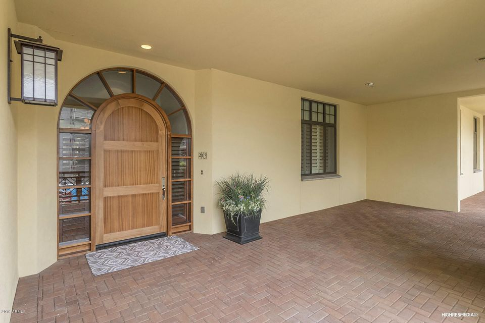 MLS 5519708 2 BILTMORE Estate Unit 213 Building 5, Phoenix, AZ 85016 Phoenix AZ Gated