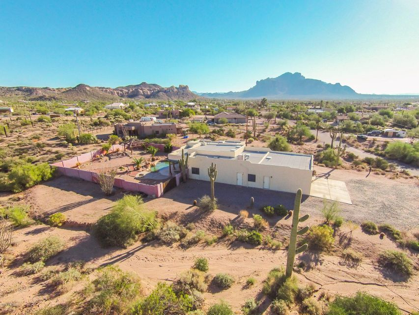 MLS 5524488 1026 E MOON VISTA Street, Apache Junction, AZ Apache Junction AZ Private Pool