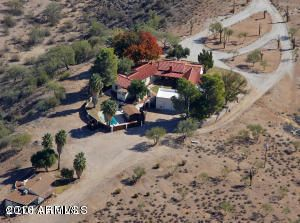 790 W BRALLIAR Road, Wickenburg, AZ 85390