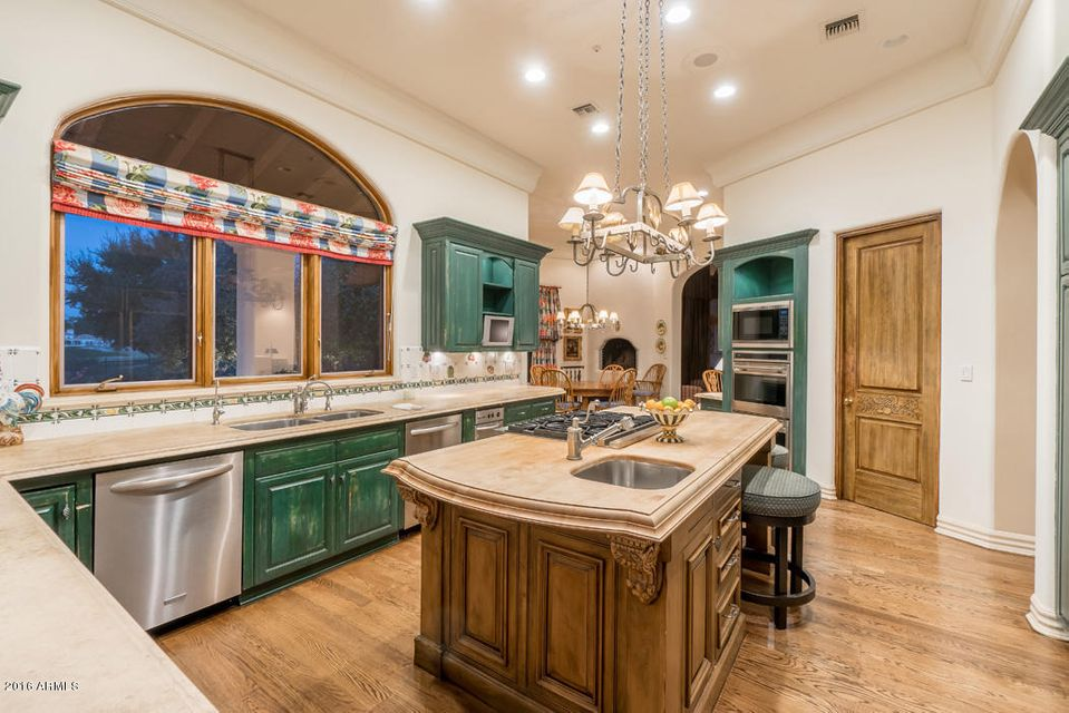 Additional photo for property listing at 8631 N 61st Place  Paradise Valley, Arizona,85253 United States