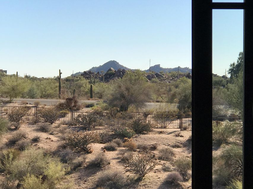 MLS 5533172 36601 N MULE TRAIN Road Unit C30, Carefree, AZ Carefree AZ Gated