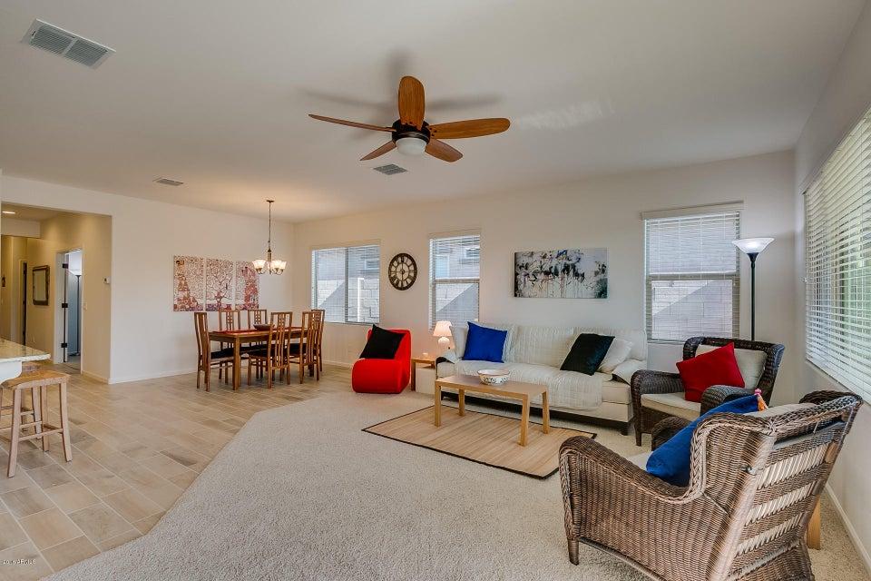8605 E LOBO Avenue, Mesa, AZ 85209