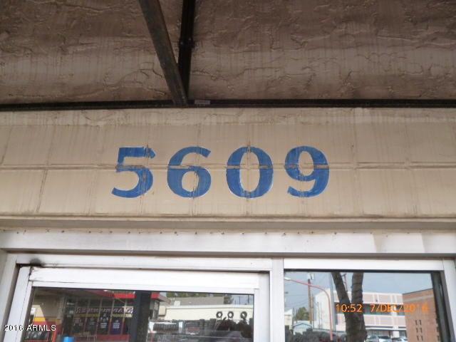 5607 W GLENDALE Avenue W 5609, Glendale, AZ 85301