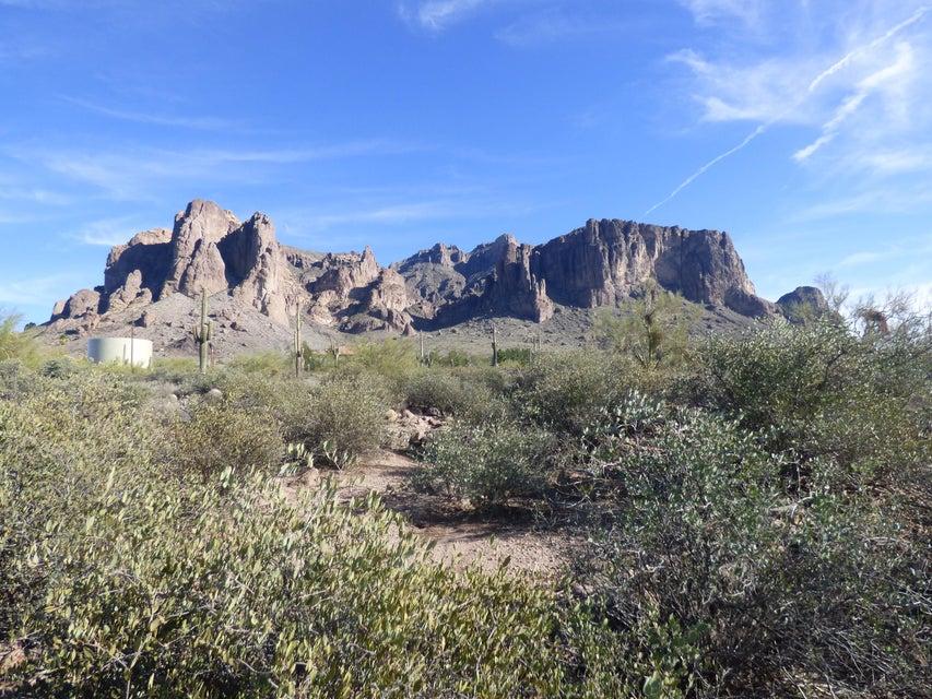 3200 N Prospectors Road, Apache Junction, AZ 85119