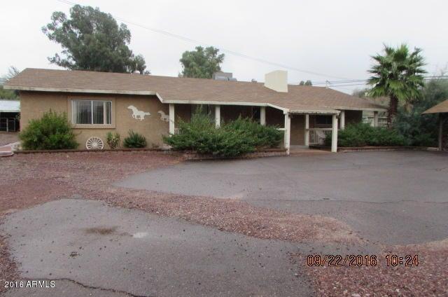 51425 N GRAND Avenue, Wickenburg, AZ 85390