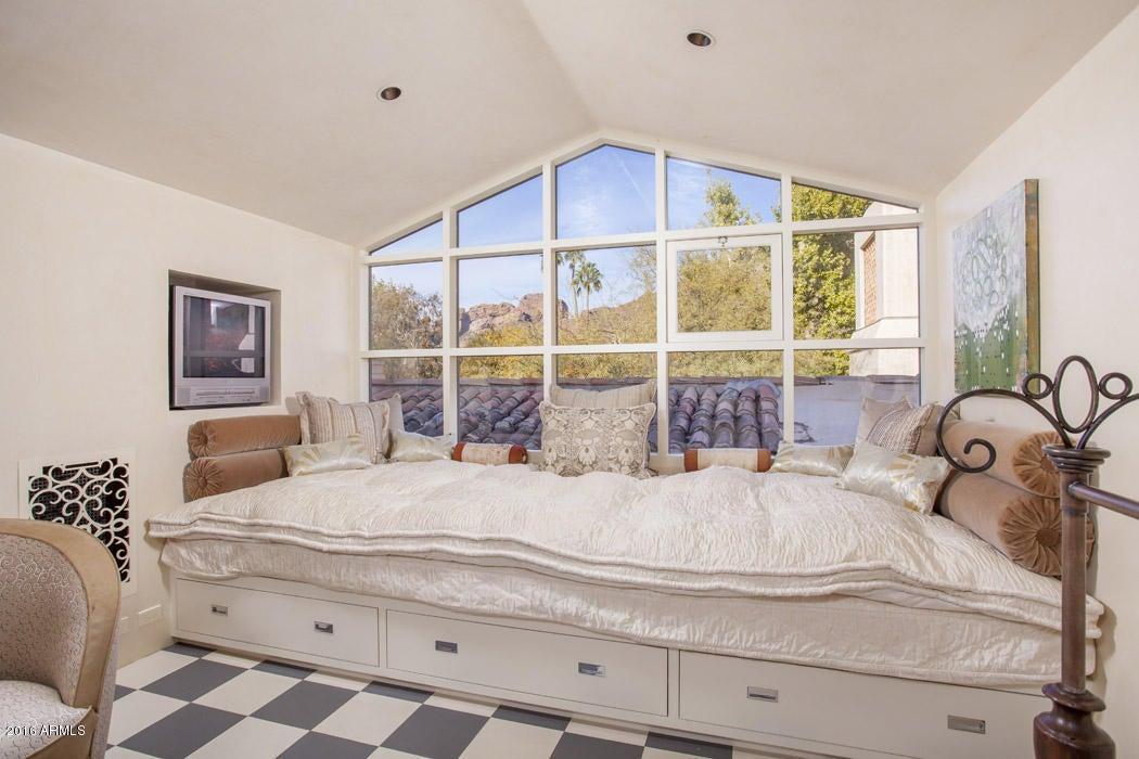 MLS 5541378 5290 E EXETER Boulevard, Phoenix, AZ 85018 Phoenix AZ 5 or More Bedroom