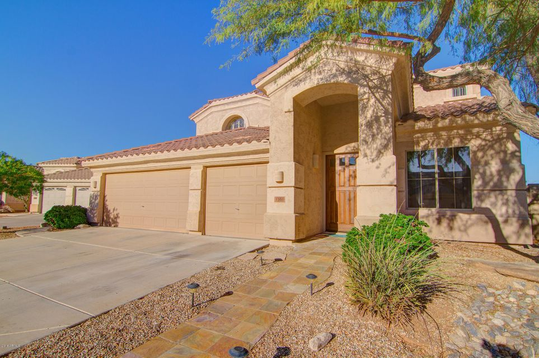 1350 W DEER CREEK Road, Phoenix, AZ 85045