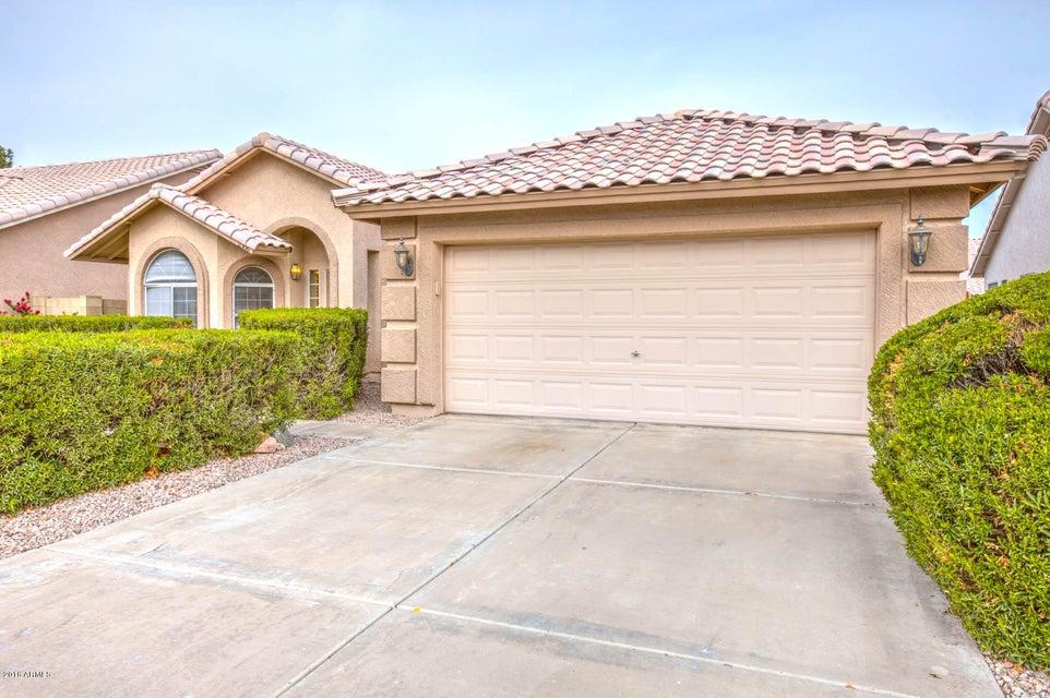 2306 E SAN TAN Drive, Gilbert, AZ 85296